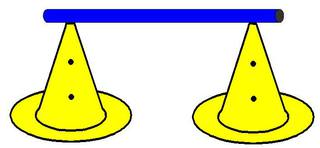 Pylonhürde_hoch#4 - Pylon, Markierungskegel, Hütchen, Kegel, Sport, Sportgerät, Spielabgrenzung, Markierung, markieren, Hürde, hoch, Hindernis